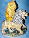 A741-Tigru pe Leu-Statuie lemn masiv veche anii 1900.