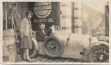 Fotografie masina sport epoca reclame interbelice benzina poza romaneasca