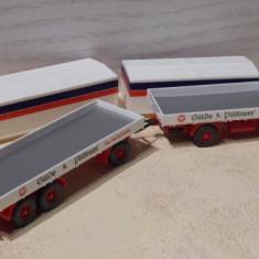 Camion Mercedes cu remorca, scara 1/87