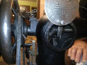 Mașina de cusut foarte veche Naumann