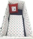 Cumpara ieftin Lenjerie de pat bebelusi 140x70 cm 6 piese, cu aparatori laterale pufoase si buzunar Deseda Ancore