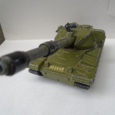 bnk jc Dinky 683 Chieftain Tank