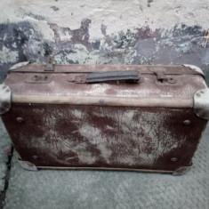 Geamantan vechi din timpul titanicului