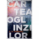 Cumpara ieftin Cartea oglinzilor - Eugen Ovidiu Chirovici