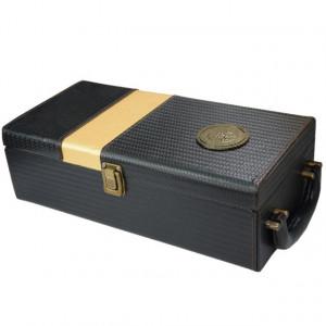 Pachet cutie cadou tip cufar pentru vin, model Premium cu maner si accesorii...