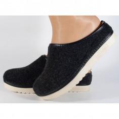 Papuci de casa negri din lana (cod 153031)