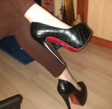 Pantofi Christian Louboutin - Piele naturala - Pret promotional !!!