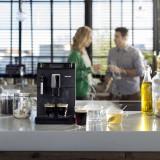 Espressor automat Philips EP3510/00, 15 bari, 1,8 l, sistem AquaClean, Sistem spumare a laptelui, 5 setari intensitate, optiune cafea macinata, Negru