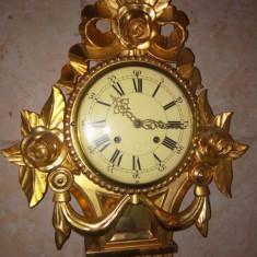 Ceas antic de perete in stil Louis  sculptat integral manual și foiță