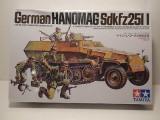 + Kit figurine 1/35 Tamiya 35020 - Hanomag Sd.Kfz. 251:1 +