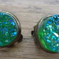 Cercei clips baza bronz -  imitatie de geoda verde