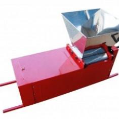 Zdrobitor cu desciorchinator, manual, cuva si tambur inox, ZSD-01