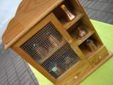Dulapior, vitrina de perete cu miniaturi din cupru
