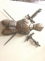 Panoplie veche miniaturala belgiana,cu armura ai sabii incrucisate foto