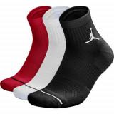 Sosete unisex Nike Jordan Jumpman Quarter SX5544-011