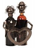 Cumpara ieftin Suport modern de Sticle Vin, NAGO, model cuplu de indragostiti, cu inima LOVE, Metal Lucios, Maro Negru, capacitate 2 Sticla, H 32 cm, I 24 cm