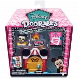 Mini Set Doorables S1 cu 2 Figurine si Accesorii Mickey, Moose