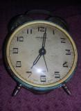 Ceas vechi mecanic de masa Ceas IANTAR cu sonerie deasupra,MASIV,Defec,T.GRATUIT