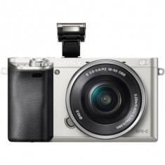 Sony ILCE6000, 24.3MP, Silver + Obiectiv 16-50mm