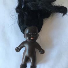 Papusa / papusica Aradeanca, Rica,  negresa, cap cauciuc, corp de plastic  10 cm