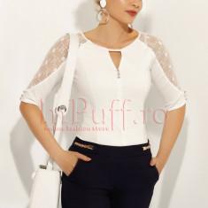 Bluza Fofy alba cu dantela aplicata pe maneca