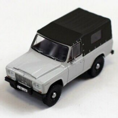Macheta Aro 240 Romania 1972  1:43 IXO