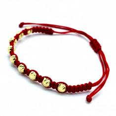 Bratara cu snur rosu si bilute de aur galben 14K, lungime reglabila, cod 179739