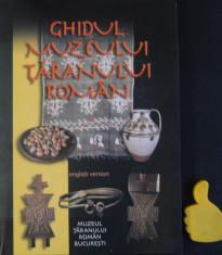 Ghidul Muzeului Taranul Roman foto