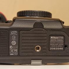 Nikon D700+obiectiv Nikon 50 1.8G, blitz Metz 58 af2, accesorii