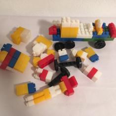 Joc romanesc vechi tip Lego, cuburi de ansamblat, plastic, anii 80, colectie