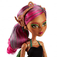Papusa Monster High Garden Ghouls Treesa Thornwillow, Multicolor