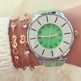 Ceas dama Matteo Ferrari verde cu cadran verde si curea din silicon