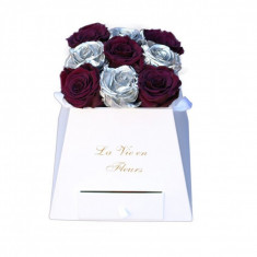 Aranjament 9 Trandafiri Criogenați Naturali 6.5cm în cutie prisma cu sertar ascuns