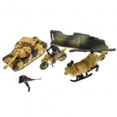 Set de joaca cu soldati, tanc cu luminite si sunete - 6634B