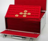 Valiza GIGANT cu 15 tavi rosii pentru 600 medalii cu diametrul de pana la 34 mm, SAFE