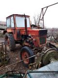 Vând tractor U650 + plug cu 3 brazde