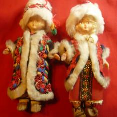 2 Papusi in Costume populare romanesti- Baiat si fetita , h=18,5cm
