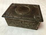 Impresionanta cutie din metal argintat stil Jugendstil, perioada anilor 1920