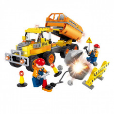 Set cuburi Lego,actual investing, model fabrica de constructii, 259 piese