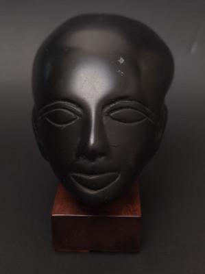 Statueta enigmatica foto