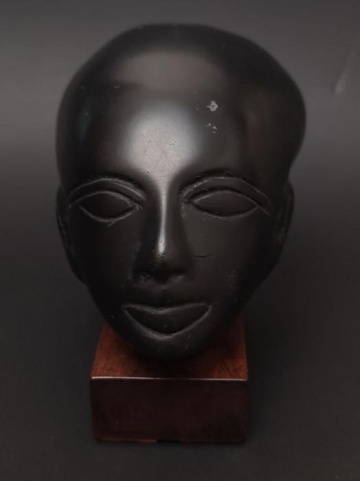 Statueta enigmatica