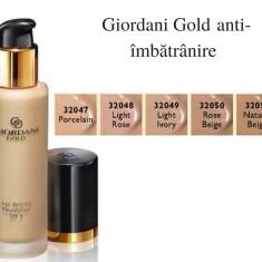 Fond de ten anti-îmbătrânire Giordani Gold, FPS 8 (Oriflame)