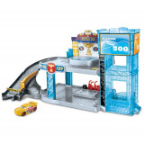 Cumpara ieftin Jucarie Disney Cars by Mattel Garaj Florida 500 cu Masinuta