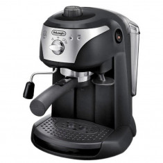 Espressor manual DeLonghi EC221.B, dispozitiv spumare, sistem cappuccino, 15 bar, oprire automata, negru