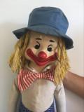 Papusa clovn cloun clown vintage vechi fata de vinil corp textil umplut cu paie