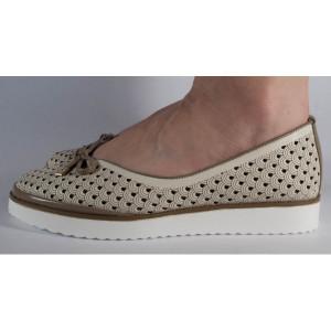 Pantofi bej platforma perforati (cod 028464)
