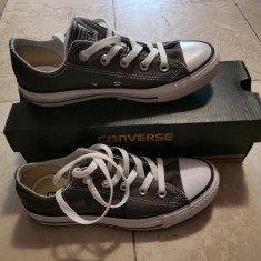 Converse Gray 36, Gri
