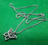 Lantisor de argint cu pandantiv fluture