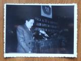 Fotografie originala cu Eugen Barbu la tribuna Uniunii Scriitorilor