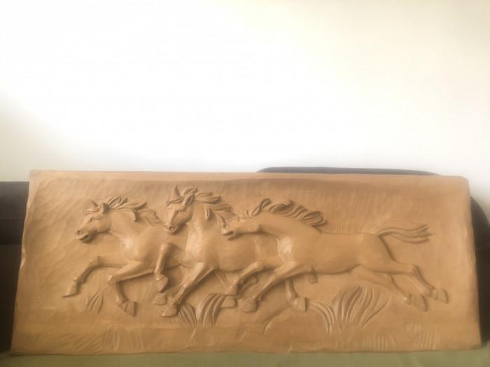 Sculptura veche germana, in lemn masiv,herghelie de cai,dimensiuni mari